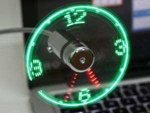 使用USB的时尚LED时钟风扇
